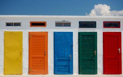 Cambia fácilmente la estética de tu entrada con tiradores de puertas de exterior